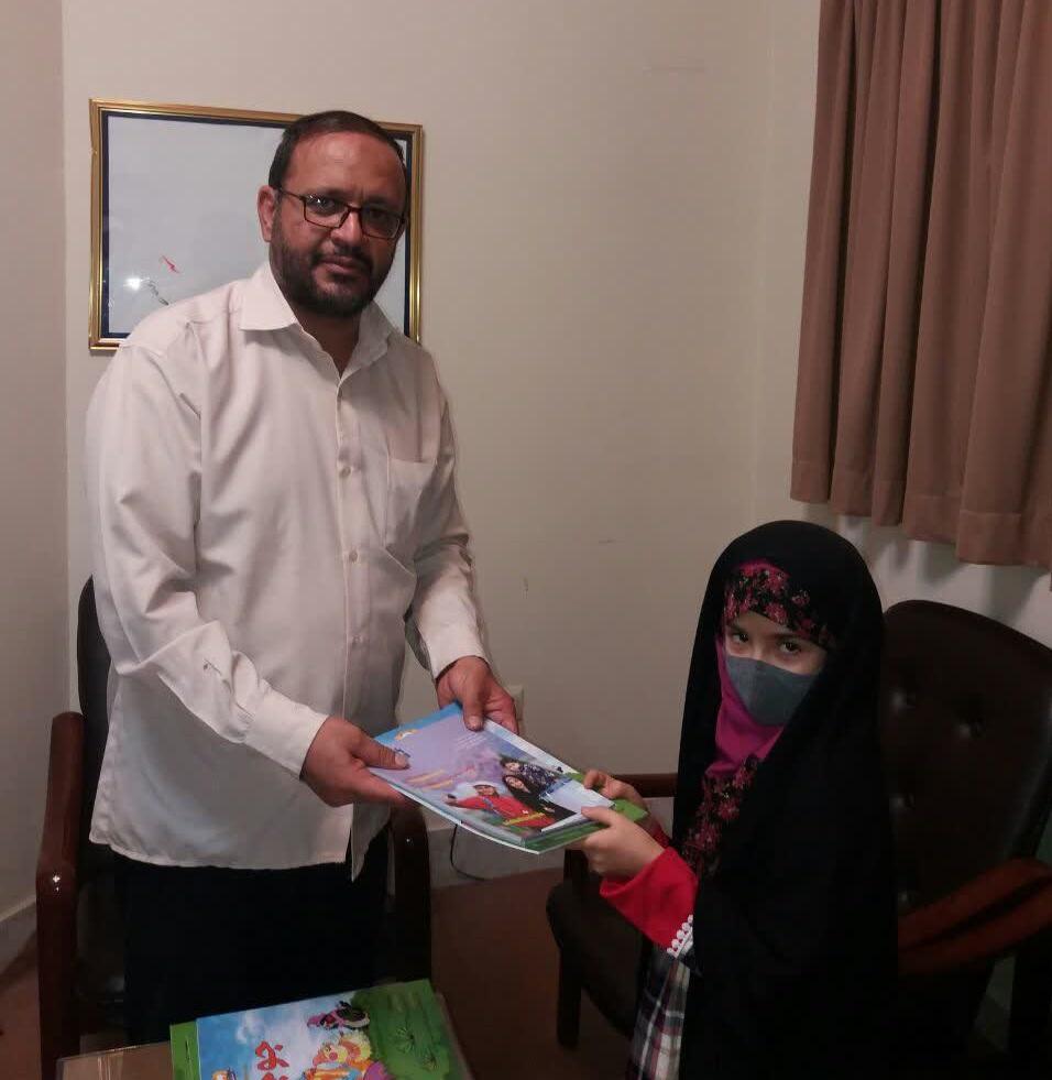مدیر فرهنگی موسسه امام خمینی (ره): این کودک نویسنده، امانت و استعدادی است که خداوند در اختیار شما قرار داده.